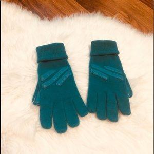 🦋2/$10 3/$15 4/$18 5/$20 Vintage Winter Gloves